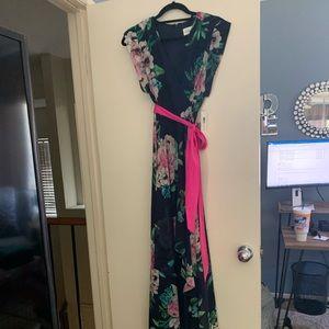 Beautiful NWT Eliza J floral hi low maxi dress